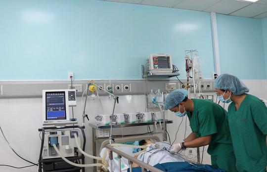 Ca mổ tim tại bệnh viện tuyến huyện đầu tiên cả nước - Ảnh 2.