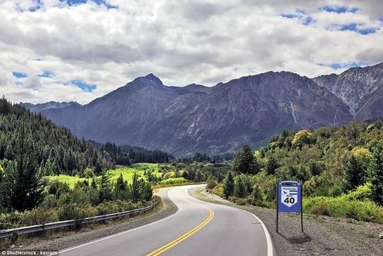 Du ngoạn dọc theo những quãng đường đẹp nhất thế giới - Ảnh 11.