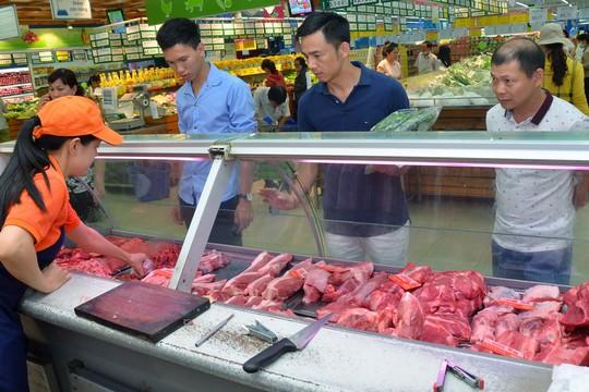 Giá thịt heo trong hệ thống phân phối hiện đại ở TP HCM đã giảm nhiều so với trước đây Ảnh: TẤN THẠNH