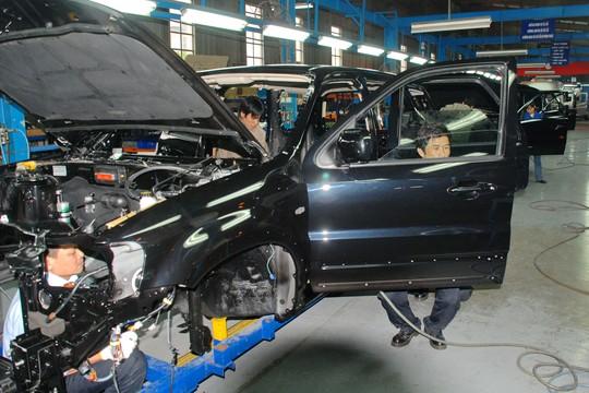 Khó giảm giá ô tô trong nước - Ảnh 1.