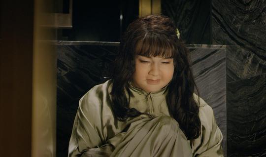 Minh Hằng khác lạ với tạo hình gái béo - Ảnh 2.