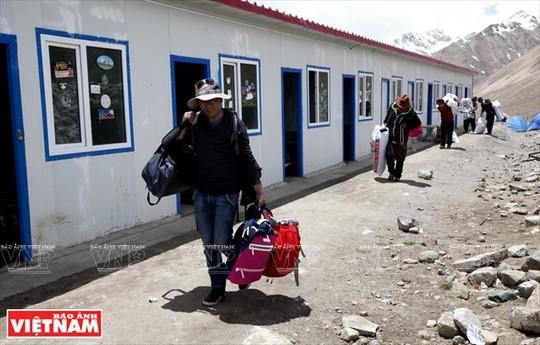 Hành trình chiêm bái ngọn núi thiêng Kailash ở Tây Tạng - Ảnh 15.