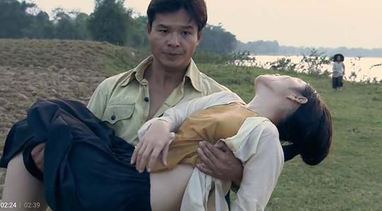 Phụ nữ thả rông ngực là hư hỏng? - Ảnh 1.