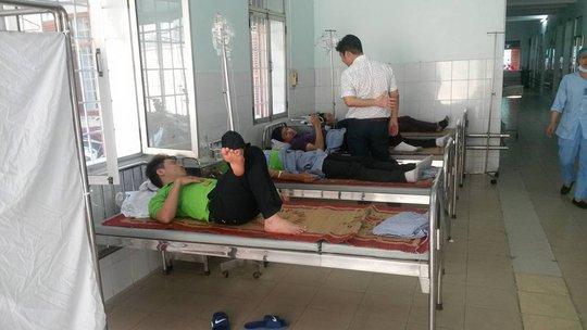 26 khách du lịch ở Cát Bà nhập viện, nghi bị ngộ độc hải sản - Ảnh 2.