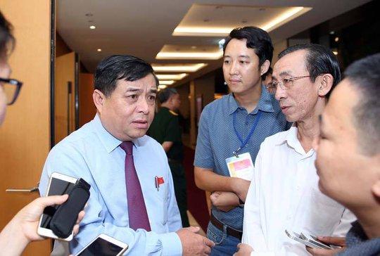 Bộ trưởng KH-ĐT: Nếu cần thì lấy đất sân golf mở rộng sân bay Tân Sơn Nhất - Ảnh 1.