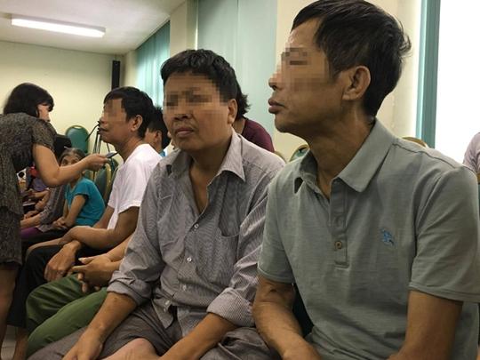 Tai biến chạy thận 8 người chết: Đình chỉ giám đốc bệnh viện Hoà Bình - Ảnh 4.