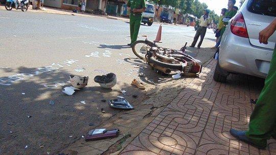 Tai nạn liên hoàn trên Quốc lộ 26, 2 người bị thương nặng - Ảnh 1.