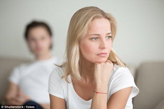 Sự khác biệt tâm lý của vợ chồng về việc ngoại tình - Ảnh 1.