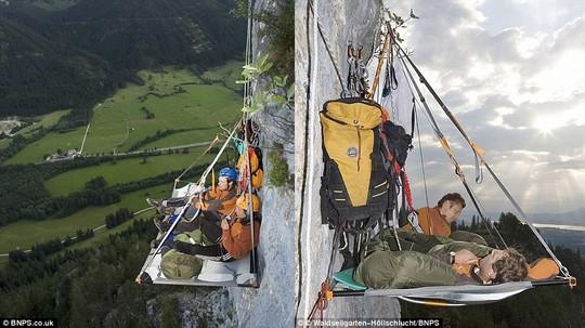 Những điểm cắm trại độc đáo nhất thế giới, trong đó có Sơn Đoòng - Ảnh 2.