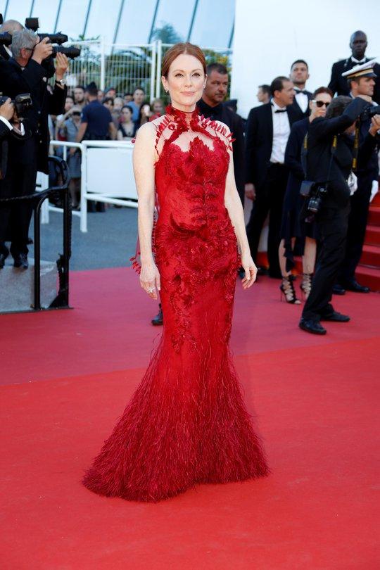 Mỹ nhân khoe sắc rạng rỡ tại LHP Cannes - Ảnh 7.
