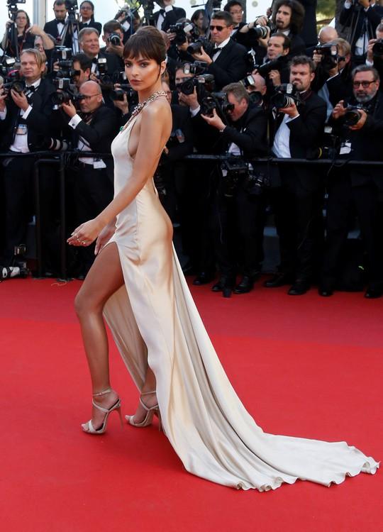 Mỹ nhân khoe sắc rạng rỡ tại LHP Cannes - Ảnh 11.