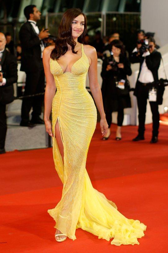 Siêu mẫu Irina Shayk đẹp cuốn hút trên thảm đỏ - Ảnh 1.