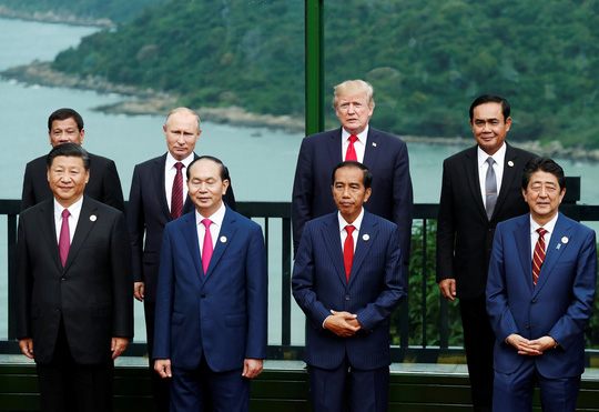 APEC 2017: Các nhà lãnh đạo APEC vui vẻ đi dạo, chụp hình - Ảnh 12.