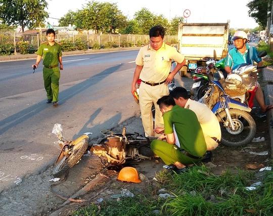 Ngã bên Quốc lộ 1, 1 người chết, 1 bị thương nặng - ảnh 1