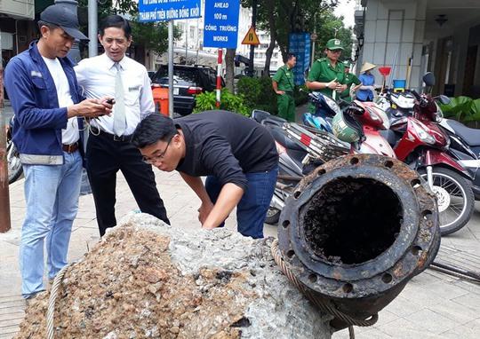 Hố tử thần xuất hiện trên đường Đồng Khởi - Ảnh 1.