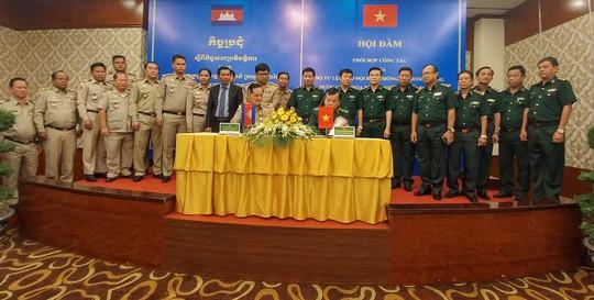 Việt Nam – Campuchia phối hợp phòng chống tội phạm biên giới - Ảnh 1.