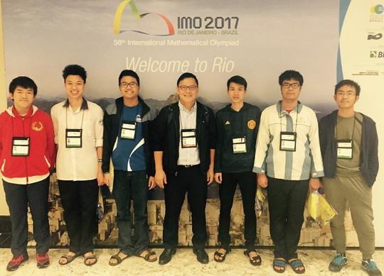 Việt Nam giành 4 Huy chương Vàng Olympic Toán quốc tế - Ảnh 2.