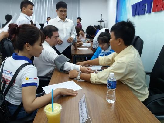 300 nhân viên VietBank tình nguyện hiến máu - Ảnh 1.