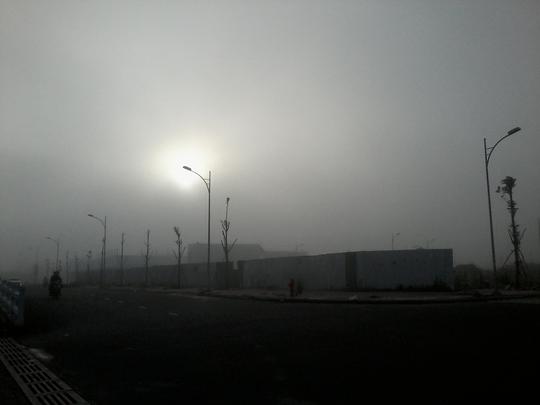 """Hiện tượng lạ: Sương mù như muốn… """"nuốt chửng"""" Cần Thơ - Ảnh 6."""