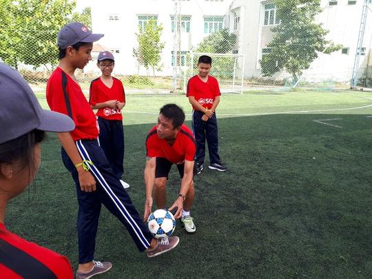 Một buổi làm thầy đáng nhớ của tuyển thủ Quang Hải - ảnh 5