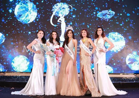 Cận cảnh nhan sắc Hoa hậu Hoàn vũ đầu tiên của Lào - Ảnh 7.