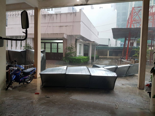 Gần 50 năm sống ở Nha Trang mới thấm thía bão - Ảnh 6.