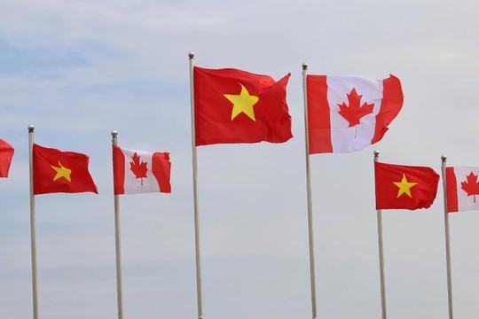 Chuyên cơ chở Thủ tướng Canada Justin Trudeau tới Hà Nội - Ảnh 3.