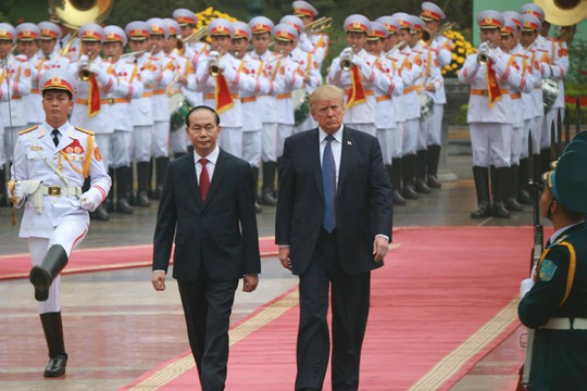 Lễ đón trọng thể Tổng thống Mỹ Donald Trump tại Phủ Chủ tịch - Ảnh 1.