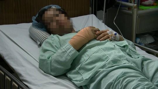 Một nữ bác sĩ bị cướp chém trọng thương - ảnh 1
