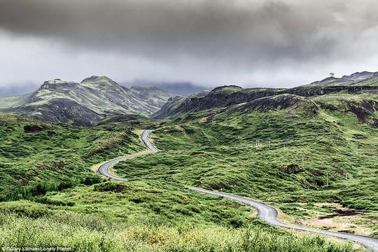 Du ngoạn dọc theo những quãng đường đẹp nhất thế giới - Ảnh 3.