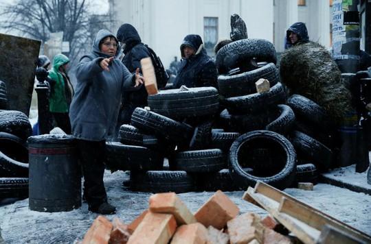 Cựu tổng thống Georgia chơi đuổi bắt với an ninh Ukraine - Ảnh 3.