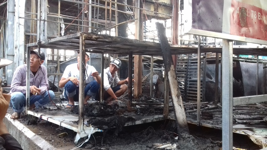 CLIP: Cảnh hoang tàn sau vụ cháy kinh hoàng ở chợ đêm Phú Quốc - Ảnh 4.