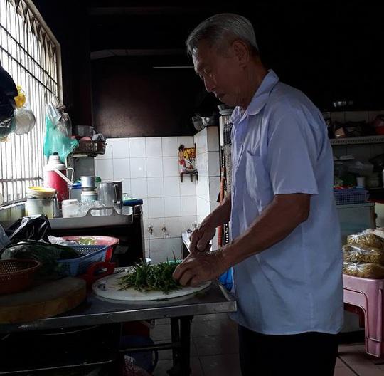 Hủ tíu, hoành thánh kiểu… Sài Gòn - Ảnh 3.