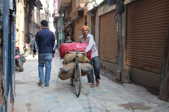 Nepal: Lạc lối ở Thamel - Ảnh 8.