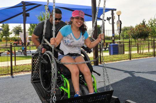 Cha xây công viên giải trí 51 triệu USD cho con gái khuyết tật - Ảnh 6.