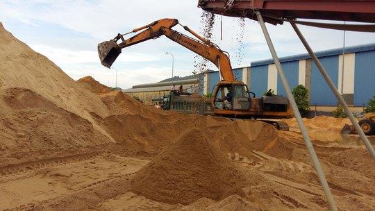 Vụ Bình định cấm bán cát ra ngoài tỉnh: Quyết định của tỉnh đứng trên luật! - Ảnh 1.