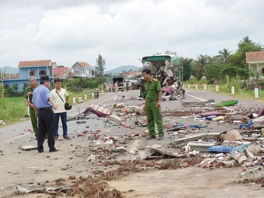 Bình Định: Hai vụ tai nạn giao thông, 6 người chết - Ảnh 1.