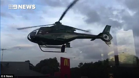 Kết quả hình ảnh cho Sydney: Người đàn ông 'vô tư' đáp trực thăng xuống McDonald's chỉ để lấy thức ăn