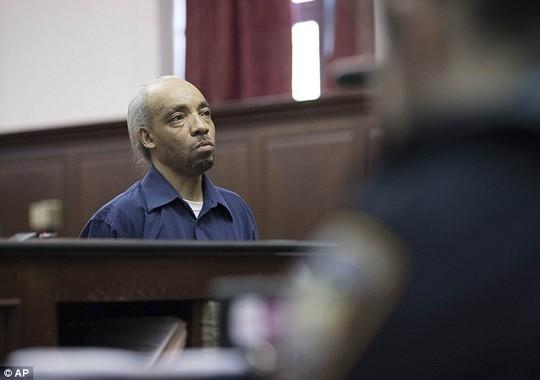 Rapper bị bắt vì cáo buộc giết người - Ảnh 1.