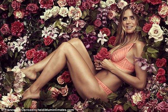 Siêu mẫu Heidi Klum khoe dáng với nội y - Ảnh 5.