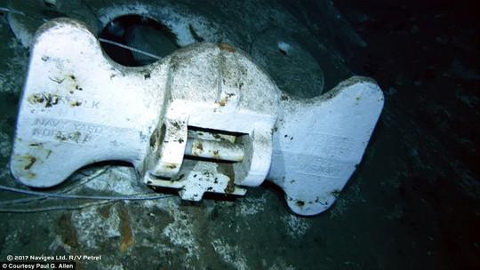 Mỹ tìm thấy mảnh vỡ chiến hạm bị đánh chìm trong Thế chiến II - Ảnh 7.