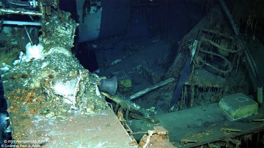 Mỹ tìm thấy mảnh vỡ chiến hạm bị đánh chìm trong Thế chiến II - Ảnh 4.