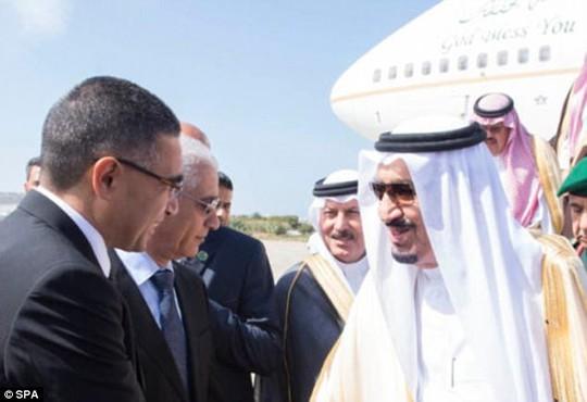 Kỳ nghỉ hè 100 triệu USD của Quốc vương Ả Rập Saudi - Ảnh 4.