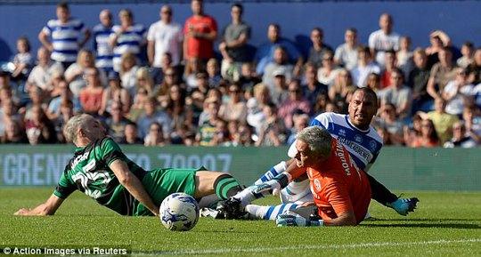 Mourinho làm thủ môn, đội nhà thủng lưới liền 6 bàn - Ảnh 6.