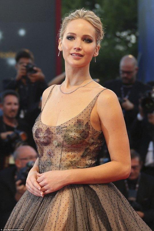 Jennifer Lawrence lộng lẫy tại LHP Venice - Ảnh 3.