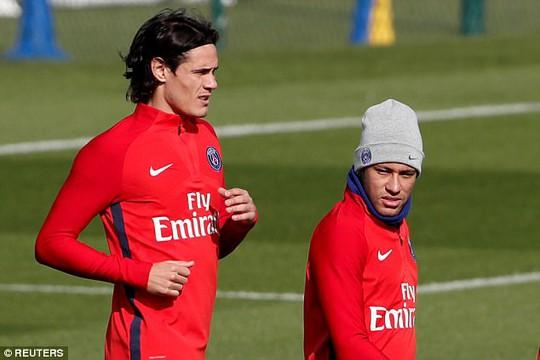 Neymar không nhìn mặt Cavani trong buổi tập - Ảnh 3.