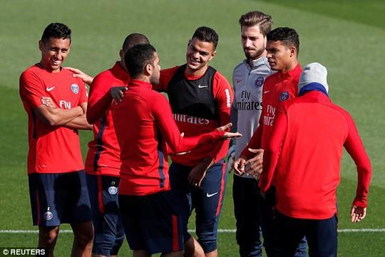 Neymar không nhìn mặt Cavani trong buổi tập - Ảnh 6.