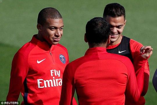 Neymar không nhìn mặt Cavani trong buổi tập - Ảnh 5.