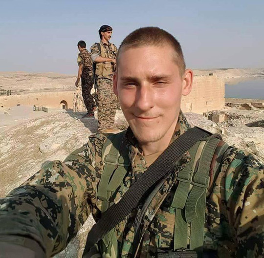 Quay súng tự sát để tránh rơi vào tay IS - Ảnh 4.