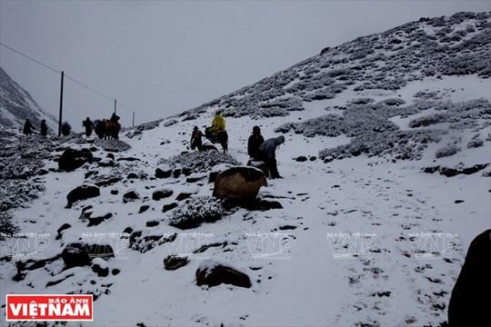 Hành trình chiêm bái ngọn núi thiêng Kailash ở Tây Tạng - Ảnh 5.